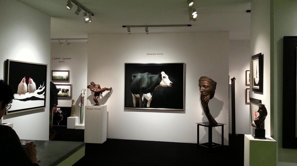 Schilderijen van Alexandra Klimas hangen in de stand van Lauswolt.
